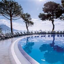 delcloy-hotel-piscine-min (1)